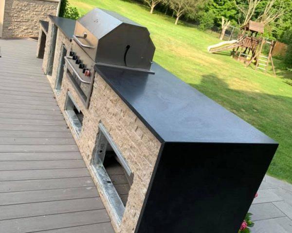 Countertop-grillside