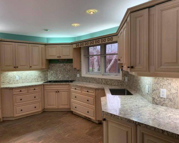 White_kitchen_countertop