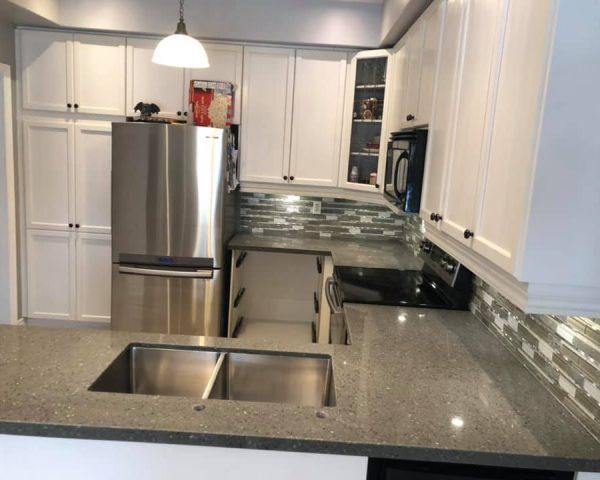 black_countertop_kitchen