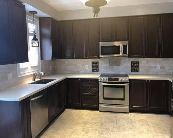 dark_brown_kitchen_countertop