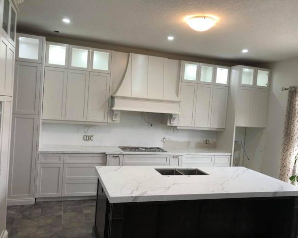 white_marble_kitchen_countertop