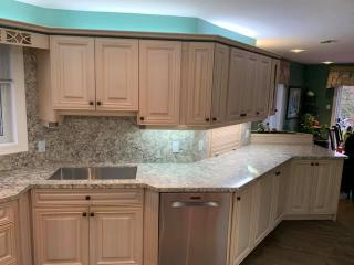 White kitchen right side countertop